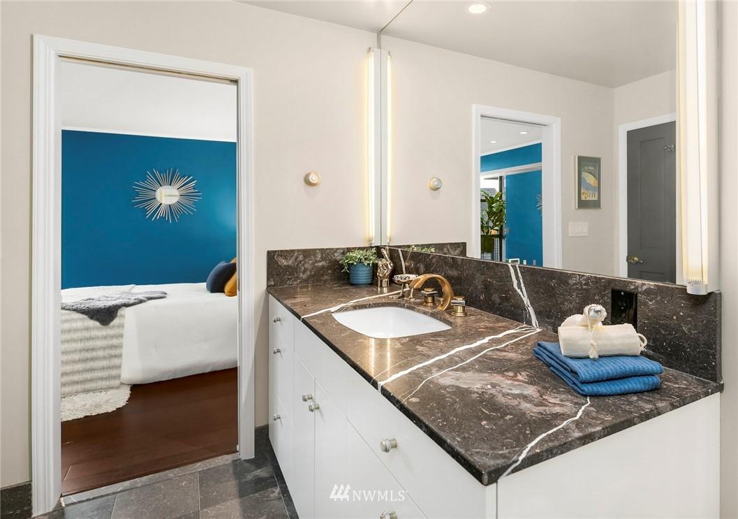 Sold Property | 730 Bellevue Avenue E #305 Seattle, WA 98102 14