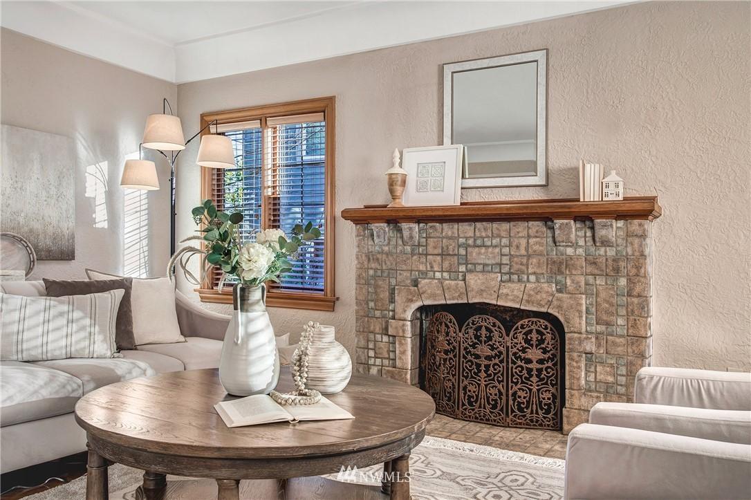 Sold Property   506 N 59th Street Seattle, WA 98103 5
