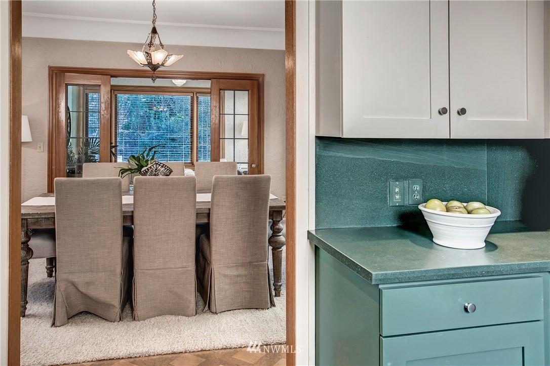 Sold Property   506 N 59th Street Seattle, WA 98103 10