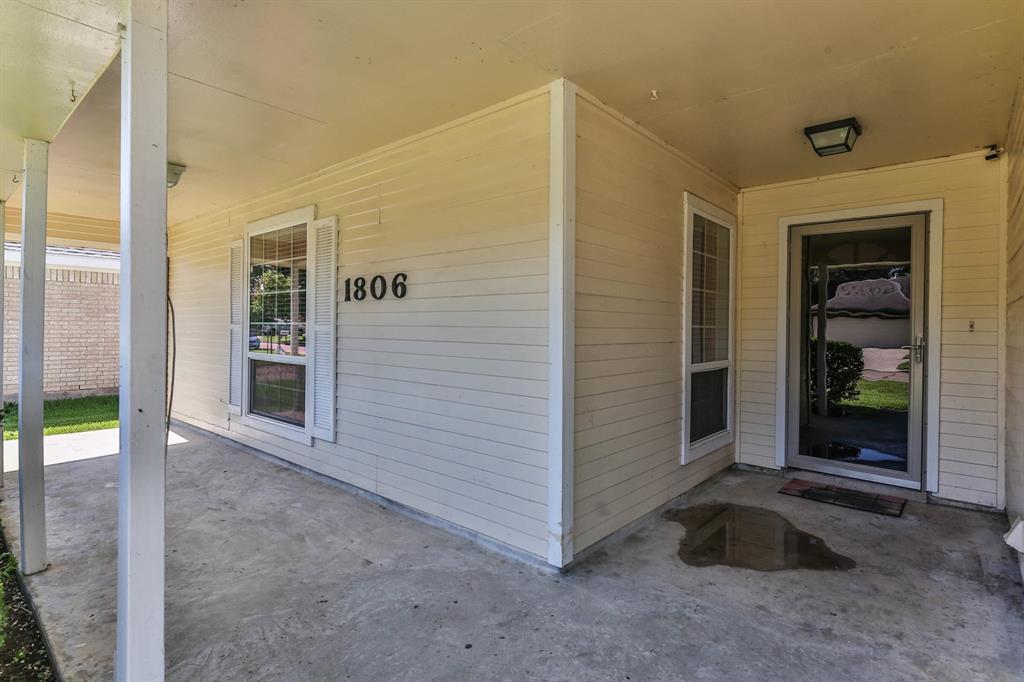 Off Market | 1806 Wildwood Drive Deer Park, Texas 77536 2