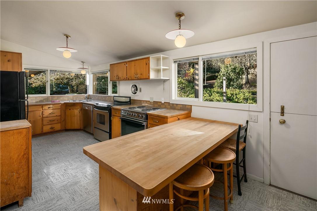 Sold Property | 7425 E Mercer Way Mercer Island, WA 98040 8