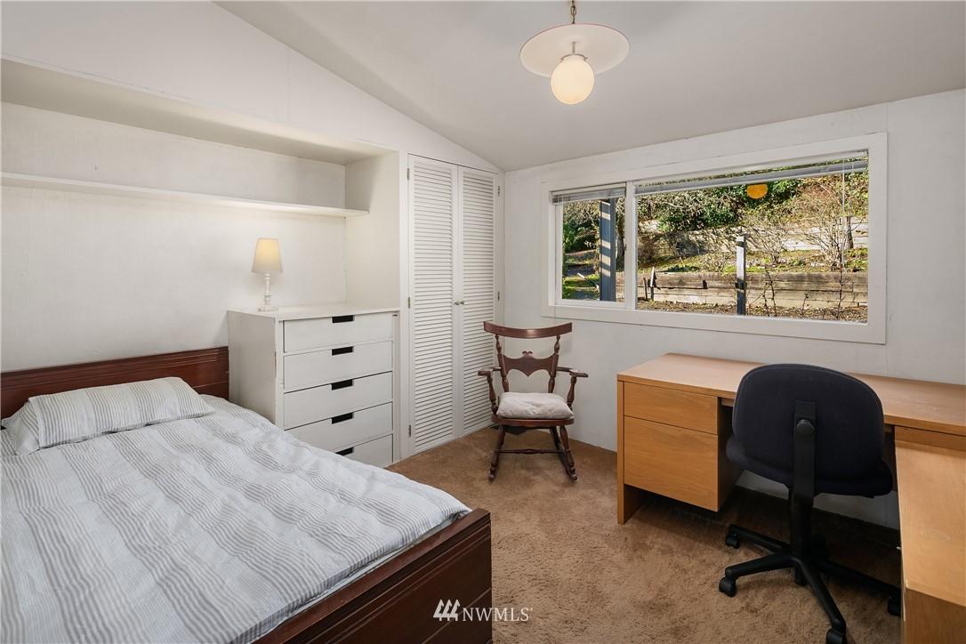Sold Property | 7425 E Mercer Way Mercer Island, WA 98040 13