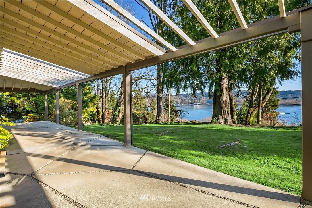 Sold Property | 7425 E Mercer Way Mercer Island, WA 98040 19