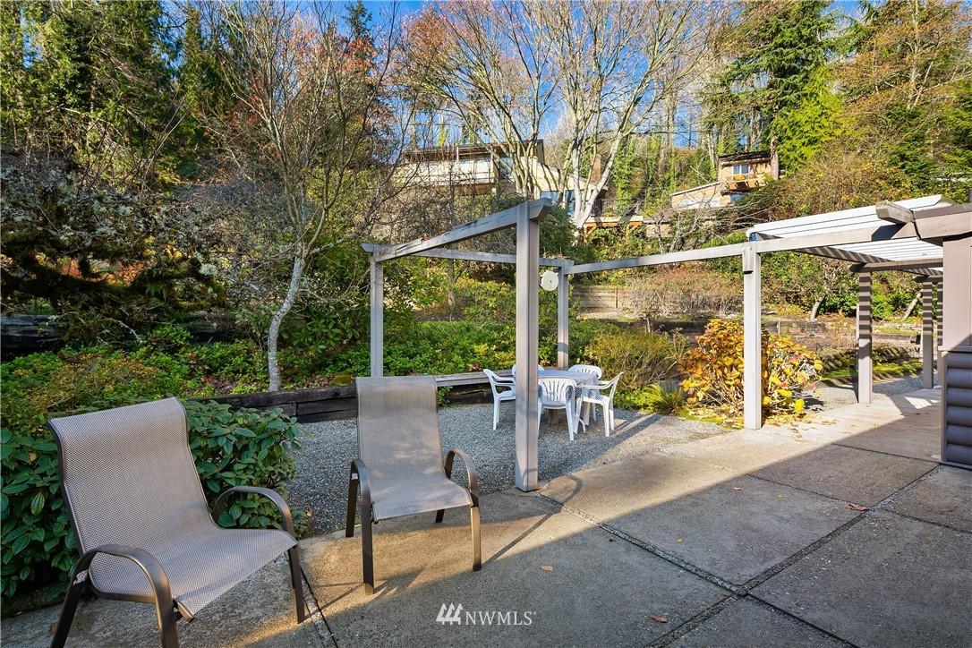 Sold Property | 7425 E Mercer Way Mercer Island, WA 98040 24