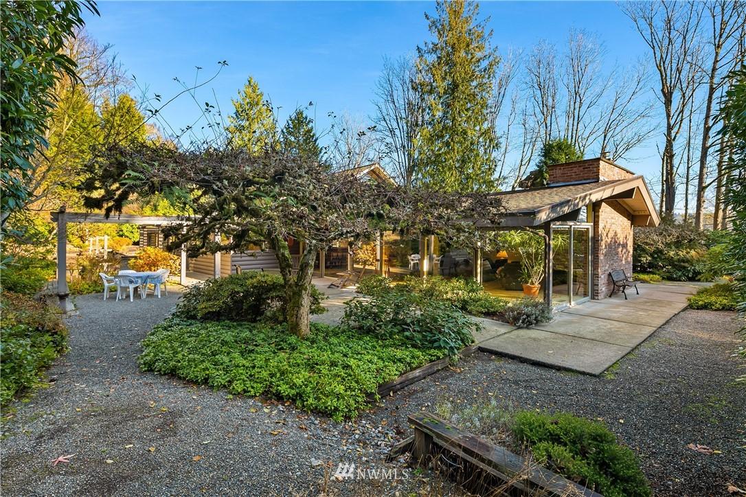 Sold Property | 7425 E Mercer Way Mercer Island, WA 98040 25
