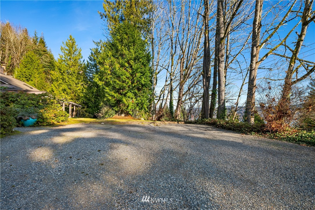 Sold Property | 7425 E Mercer Way Mercer Island, WA 98040 26