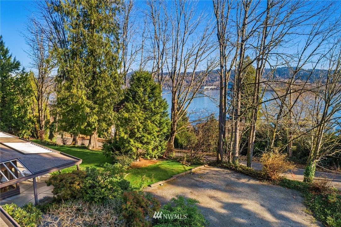 Sold Property | 7425 E Mercer Way Mercer Island, WA 98040 3