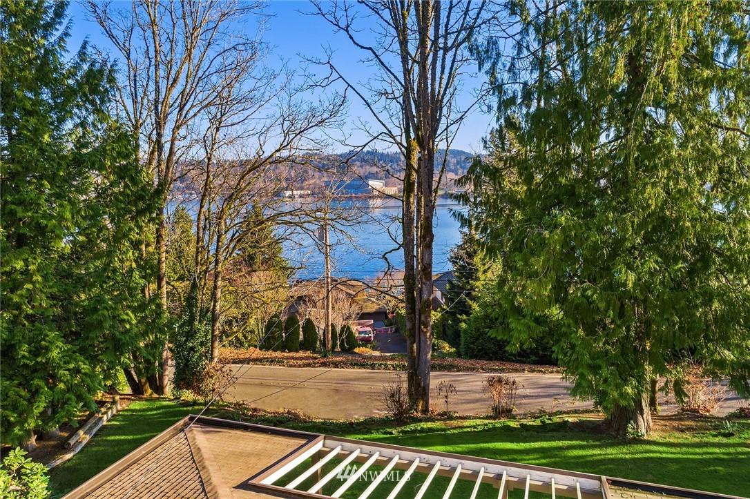 Sold Property | 7425 E Mercer Way Mercer Island, WA 98040 28