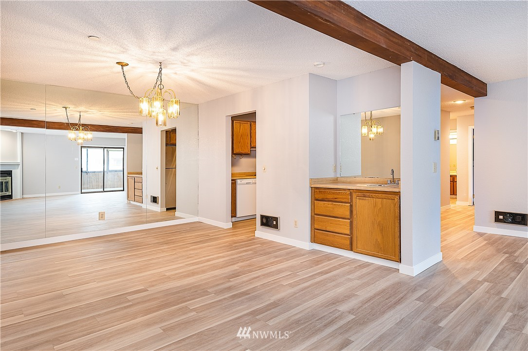 Sold Property | 18606 52nd Avenue W #233 Lynnwood, WA 98037 3