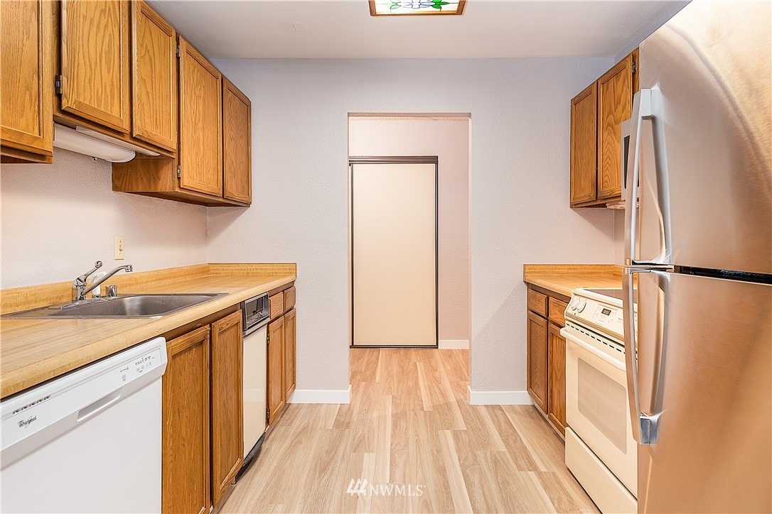 Sold Property | 18606 52nd Avenue W #233 Lynnwood, WA 98037 6