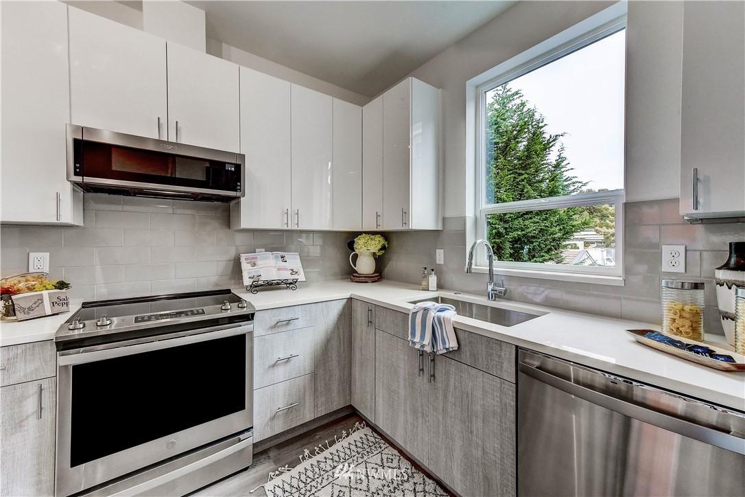 Sold Property   3940 S Brandon Street #A Seattle, WA 98118 5