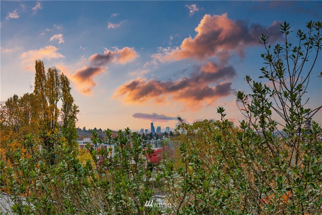 Sold Property   3940 S Brandon Street #A Seattle, WA 98118 16