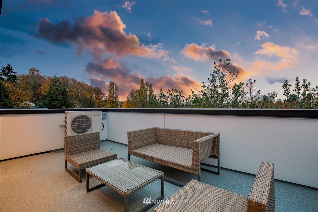 Sold Property   3940 S Brandon Street #A Seattle, WA 98118 17
