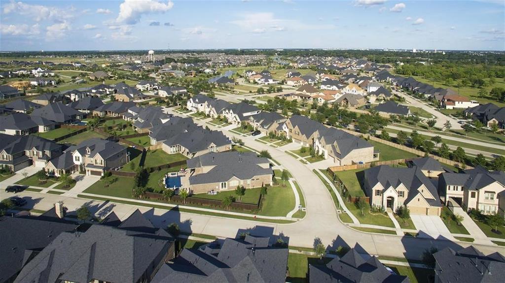 Active | 7207 Kinglet Court Katy, Texas 77493 9