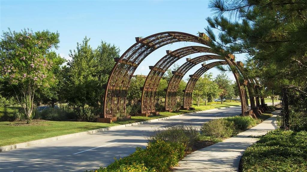 Active | 7207 Kinglet Court Katy, Texas 77493 5