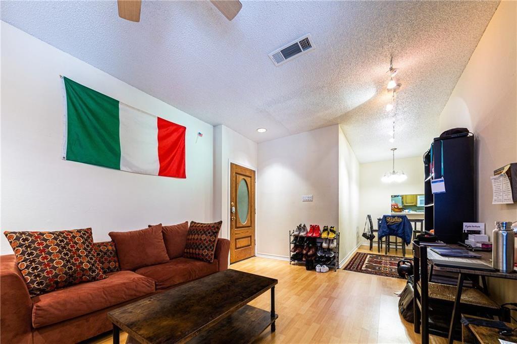 Pending | 3001 Cedar Avenue #209 Austin, TX 78705 2