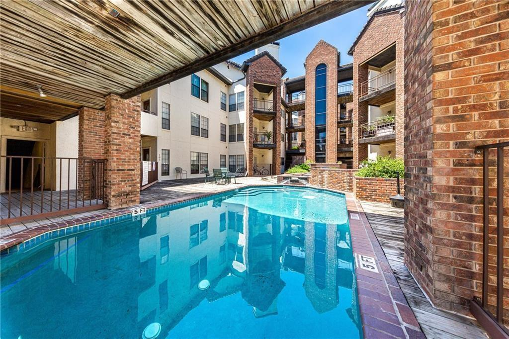 Pending | 3001 Cedar Avenue #209 Austin, TX 78705 13