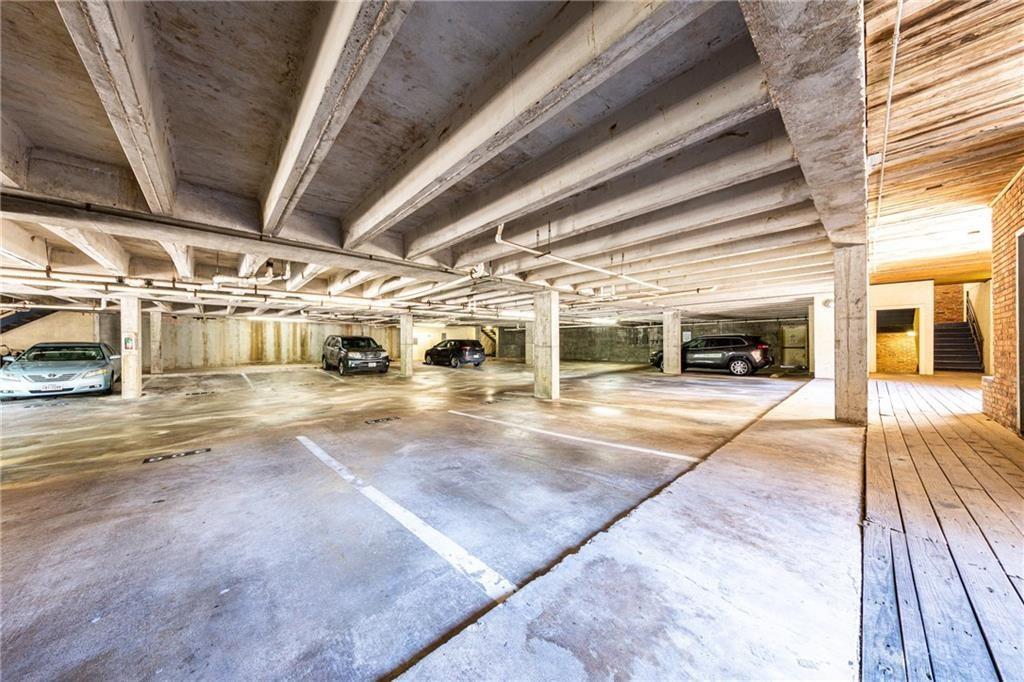 Pending | 3001 Cedar Avenue #209 Austin, TX 78705 15