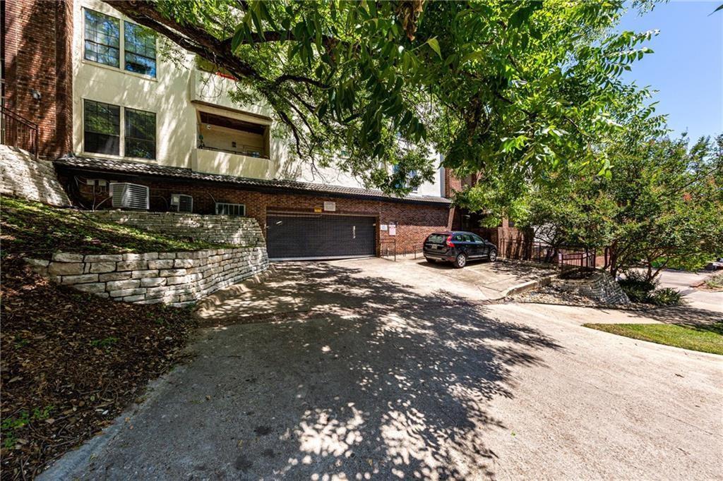 Pending | 3001 Cedar Avenue #209 Austin, TX 78705 17