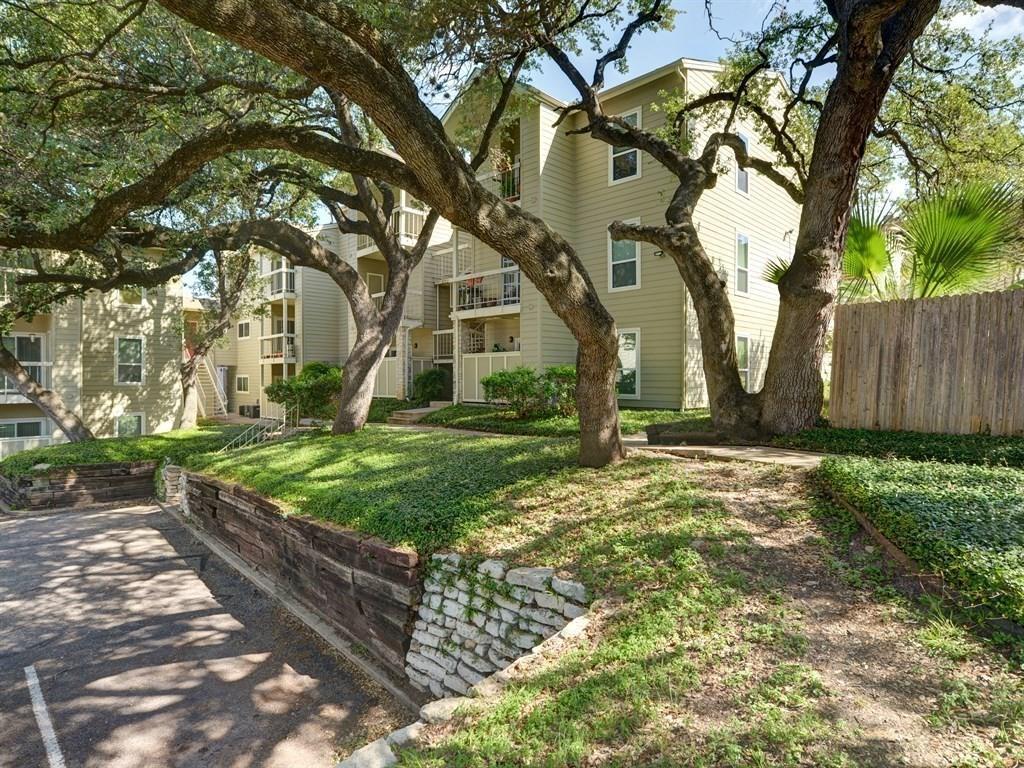 Pending   114 E 31st Street #305 Austin, TX 78705 2