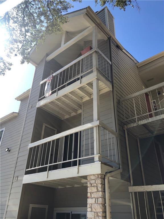 Pending   114 E 31st Street #305 Austin, TX 78705 4
