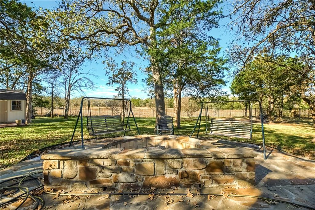 Closed | 138 Valley View Drive Bastrop, TX 78602 37