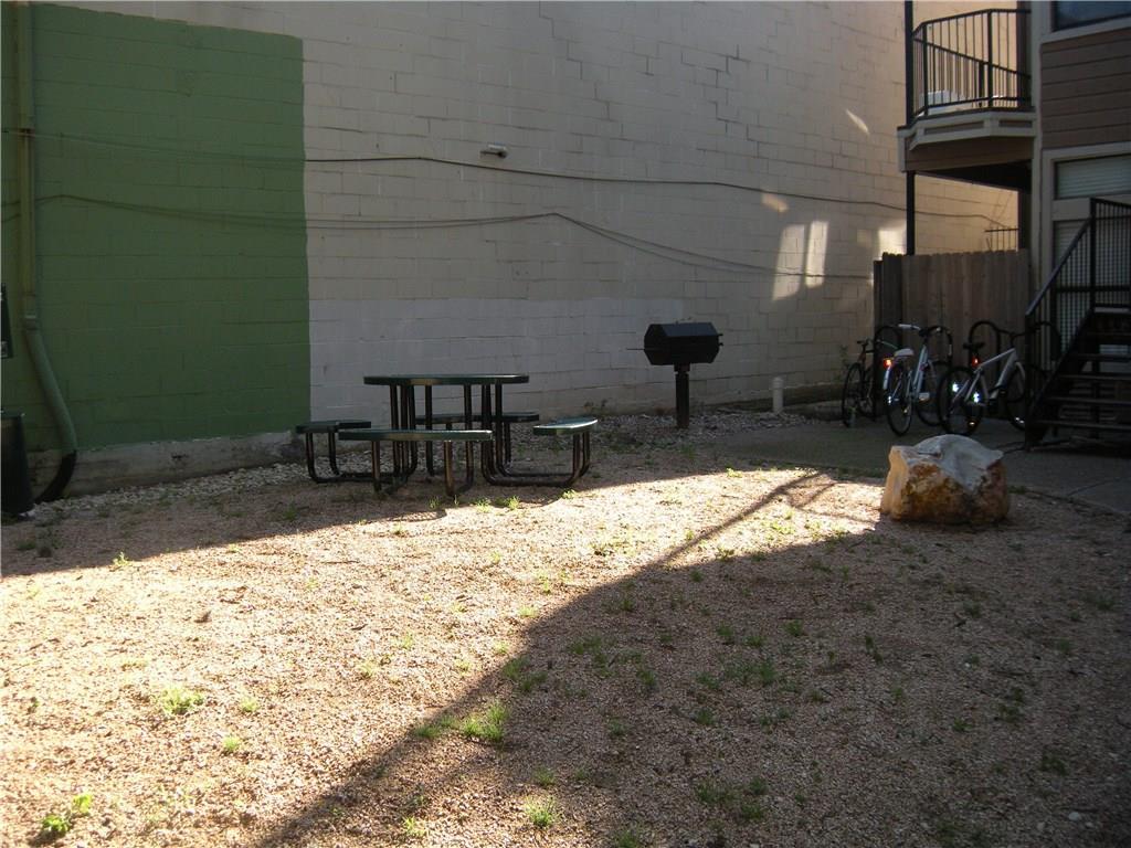 Active | 2802 Nueces Street #211 Austin, TX 78705 5