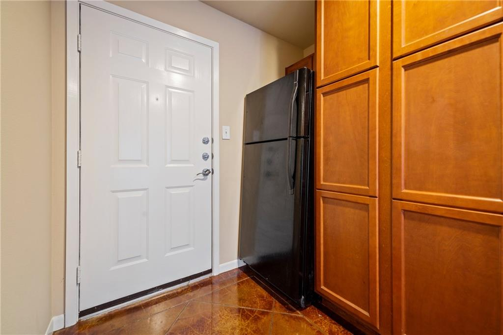 Closed   301 W 38th Street #103 Austin, TX 78705 5