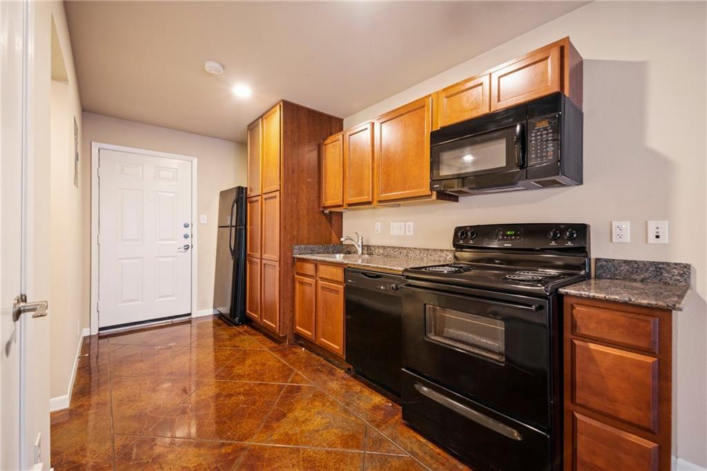 Closed   301 W 38th Street #103 Austin, TX 78705 11