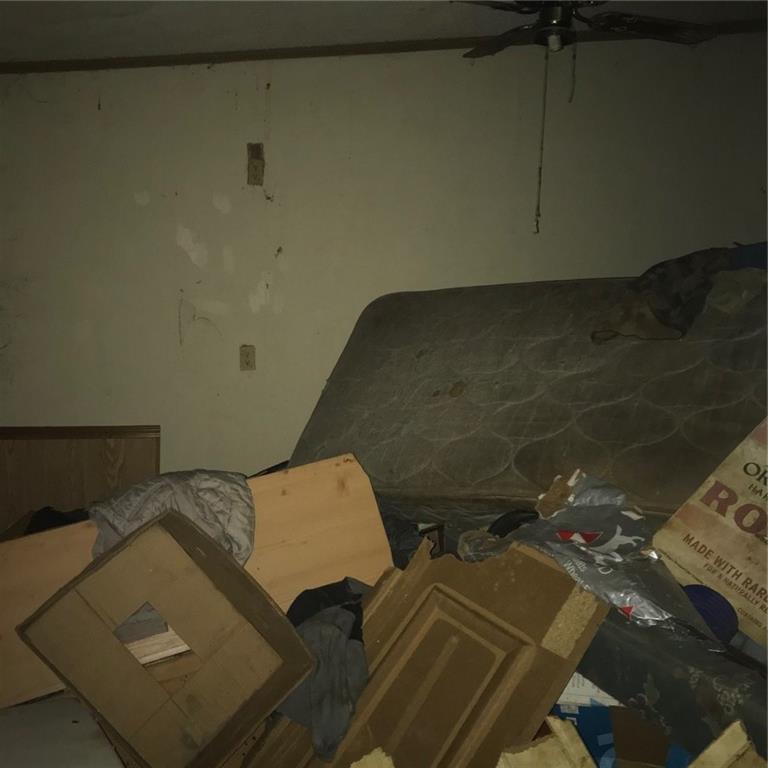 Closed   114 Plum Street Bastrop, TX 78602 16
