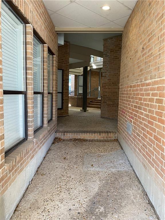 ActiveUnderContract | 1910 Robbins Place #102 Austin, TX 78705 13