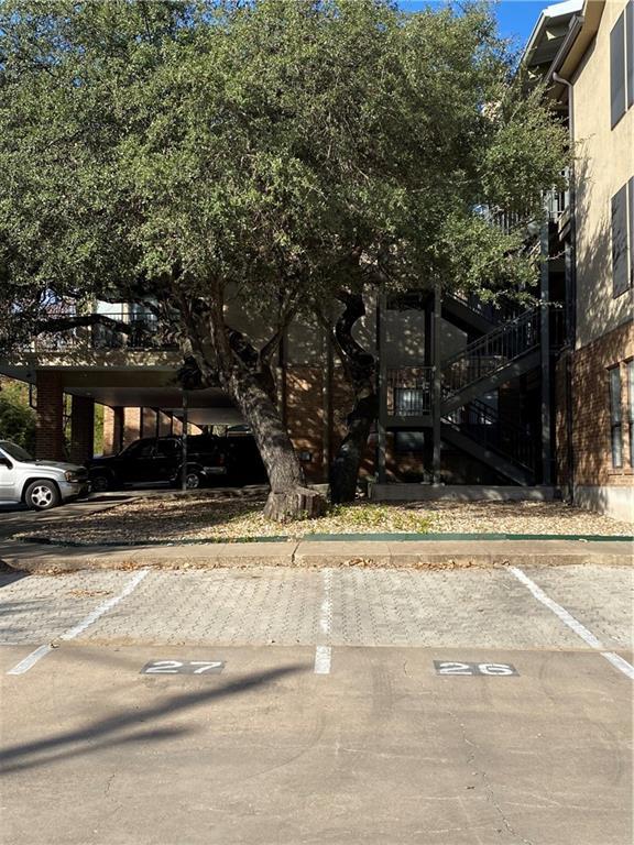 ActiveUnderContract | 1910 Robbins Place #102 Austin, TX 78705 20