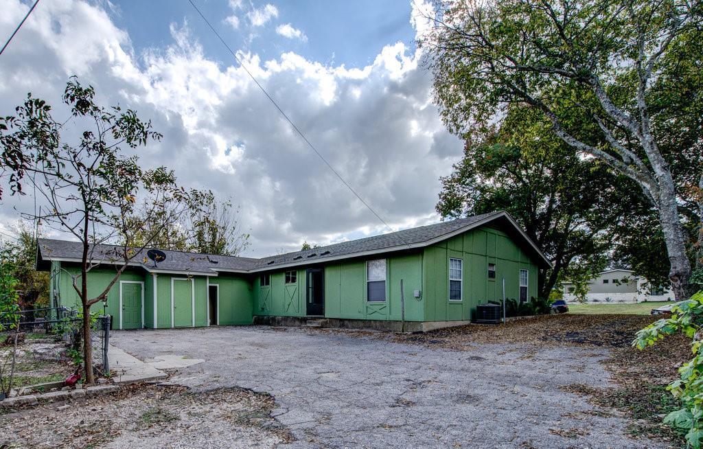 ActiveUnderContract | 1402 Valleyridge Drive Austin, TX 78704 2