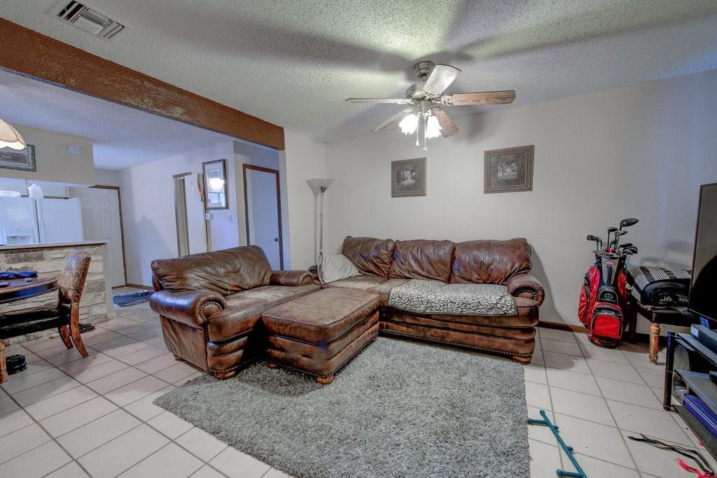 ActiveUnderContract | 1402 Valleyridge Drive Austin, TX 78704 4