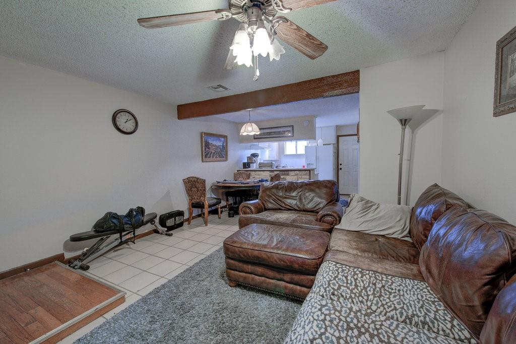 ActiveUnderContract | 1402 Valleyridge Drive Austin, TX 78704 5