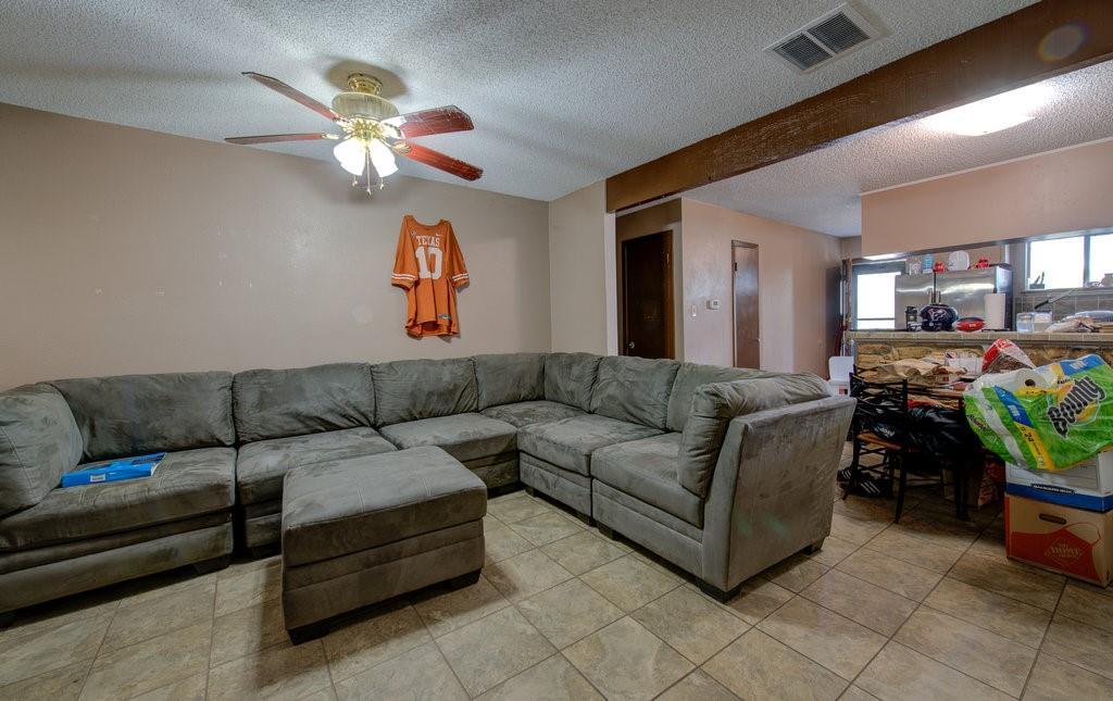 ActiveUnderContract | 1402 Valleyridge Drive Austin, TX 78704 16