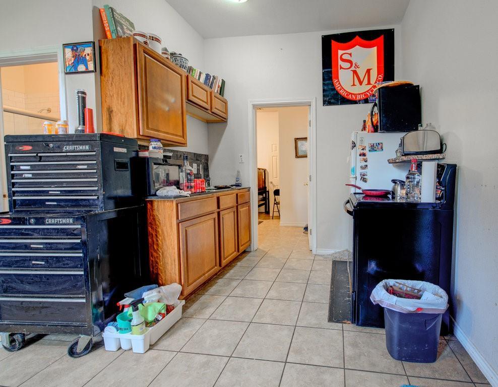 ActiveUnderContract | 1402 Valleyridge Drive Austin, TX 78704 21