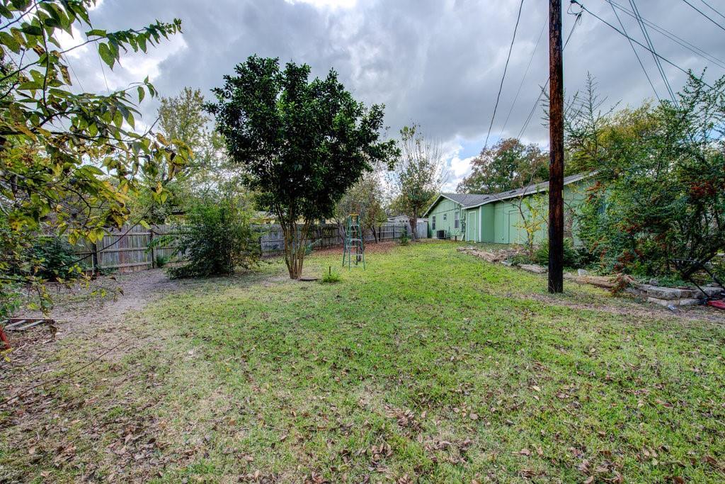 ActiveUnderContract | 1402 Valleyridge Drive Austin, TX 78704 29