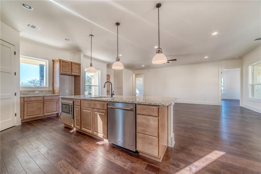 Active | 1009 Scenic Drive Georgetown, TX 78626 10