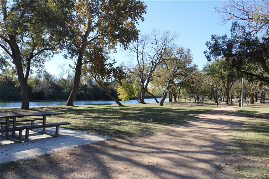 Active | 1009 Scenic Drive Georgetown, TX 78626 18