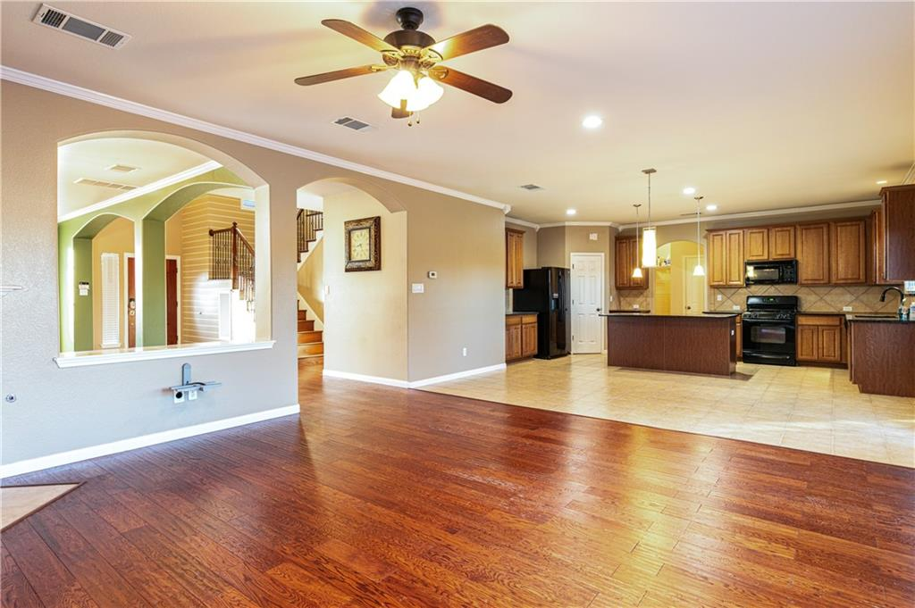 Closed   4009 Meadow Bluff Way Round Rock, TX 78665 8