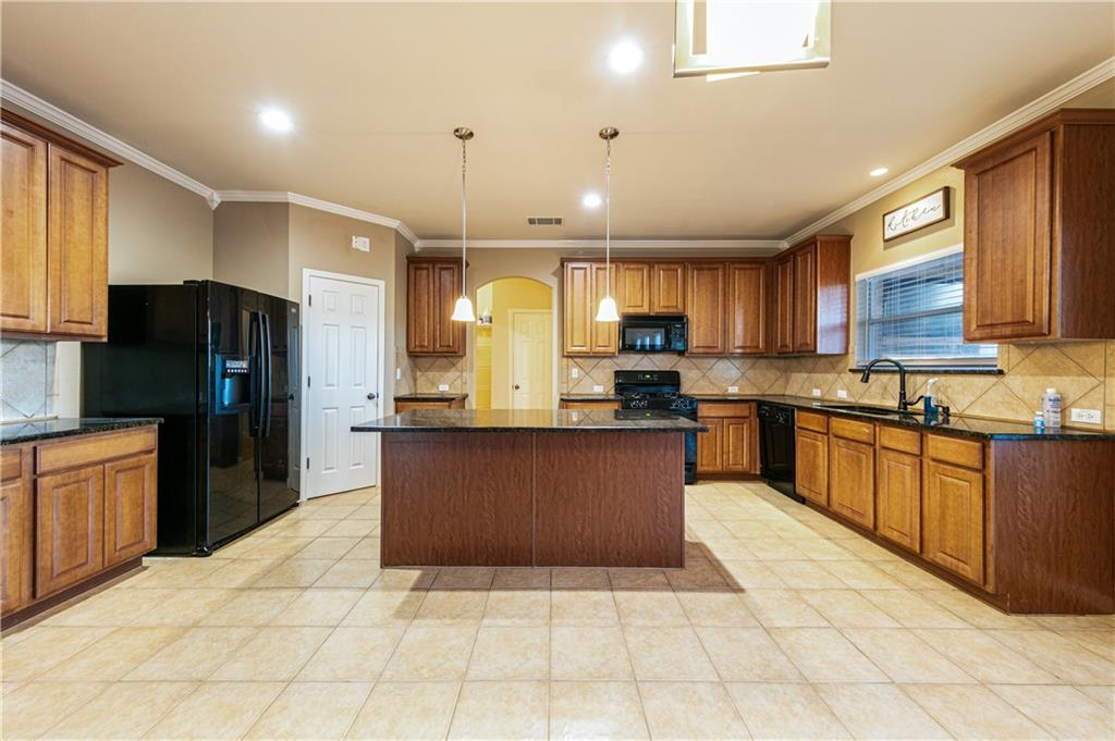 Closed   4009 Meadow Bluff Way Round Rock, TX 78665 10