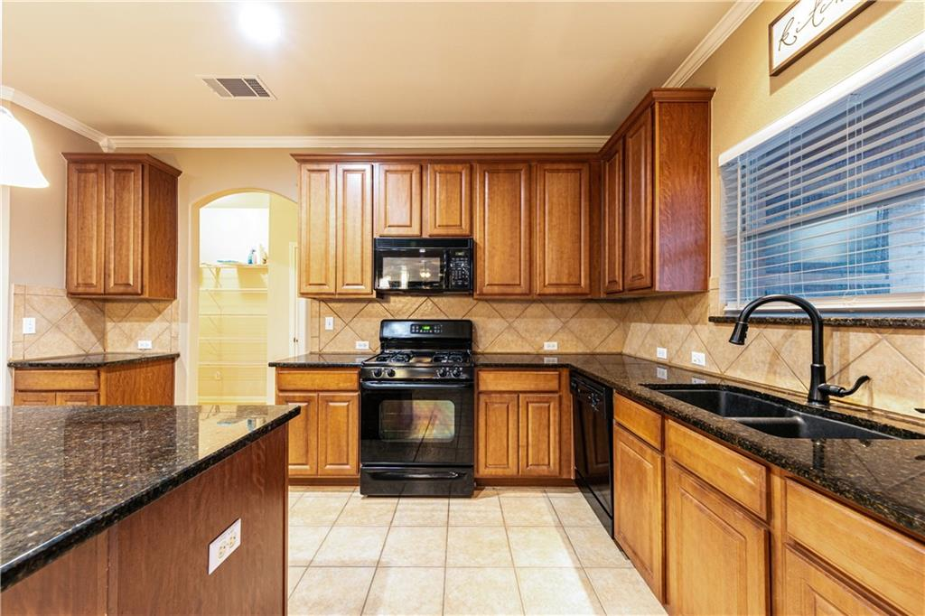 Closed   4009 Meadow Bluff Way Round Rock, TX 78665 12