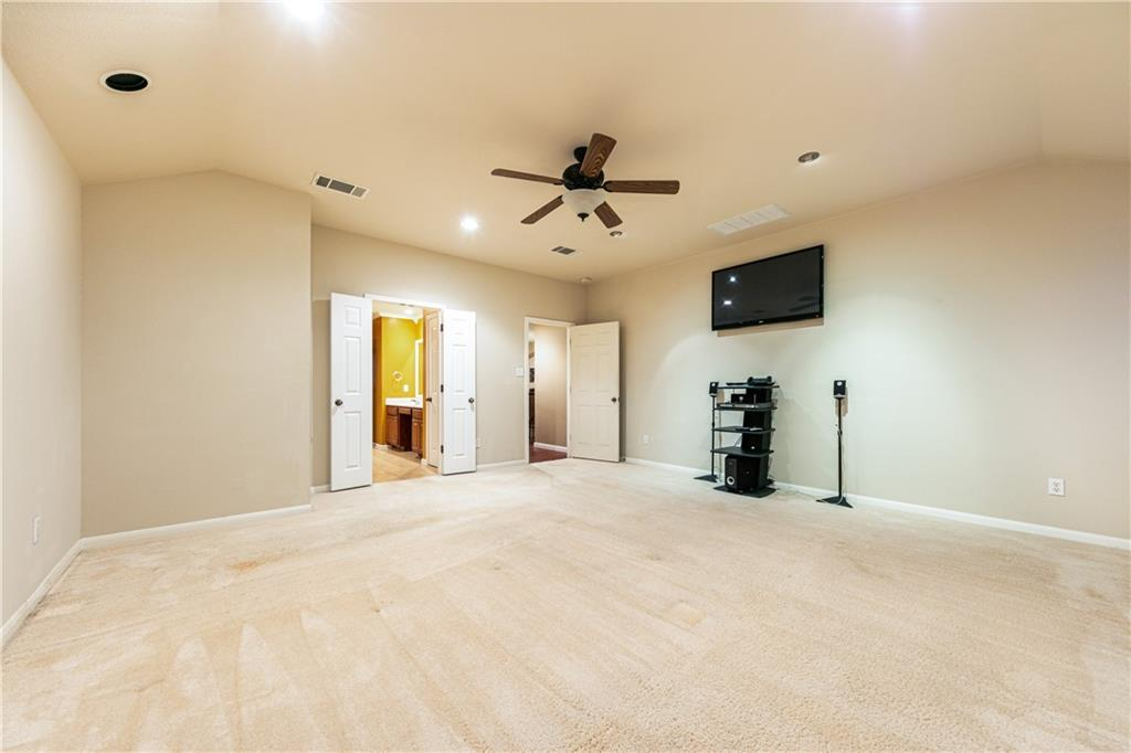 Closed   4009 Meadow Bluff Way Round Rock, TX 78665 18