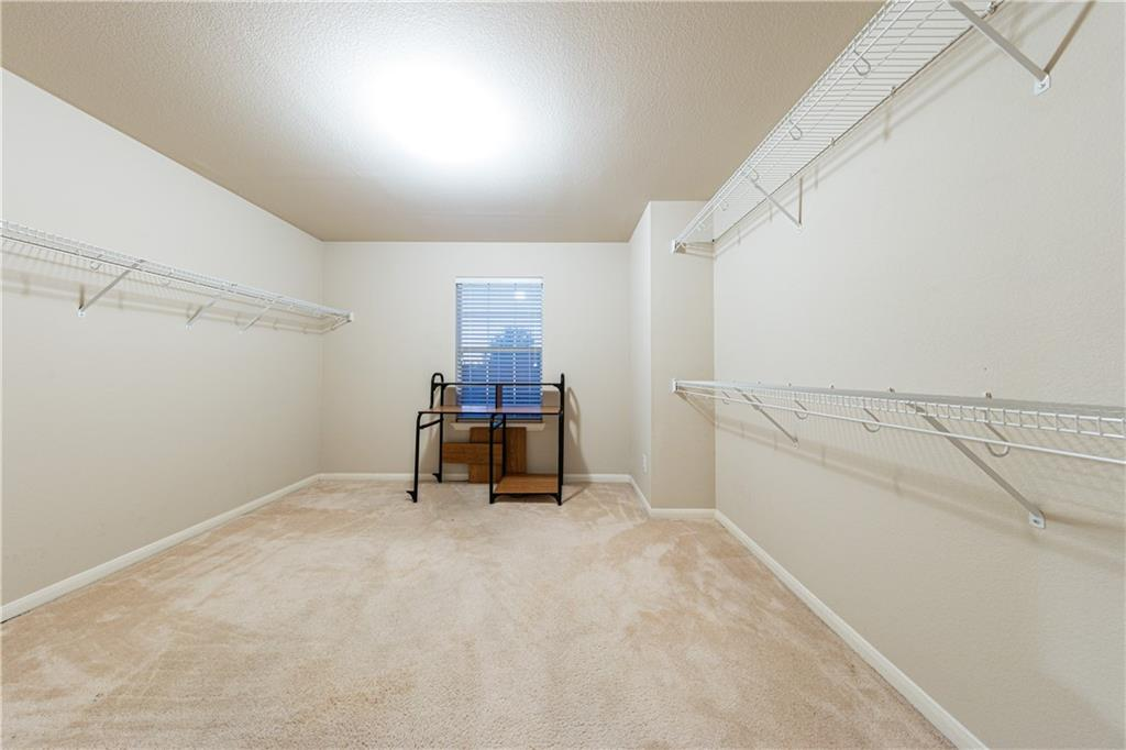 Closed   4009 Meadow Bluff Way Round Rock, TX 78665 22