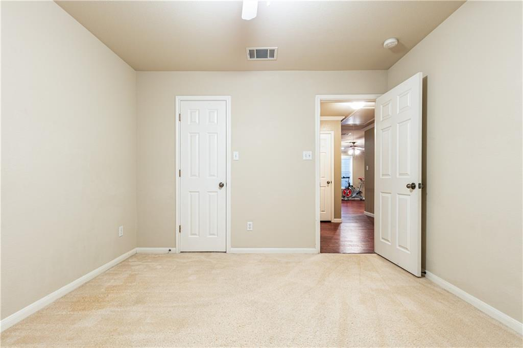 Closed   4009 Meadow Bluff Way Round Rock, TX 78665 29