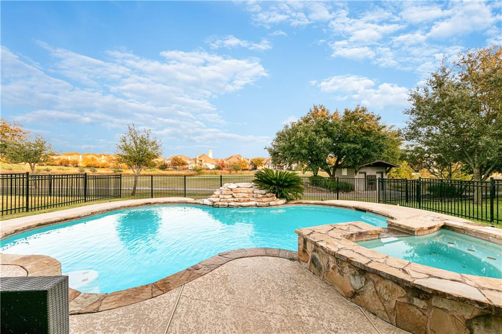 Closed   4009 Meadow Bluff Way Round Rock, TX 78665 33