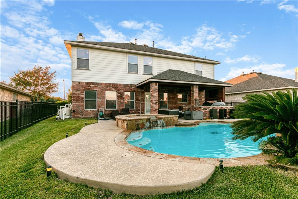 Closed   4009 Meadow Bluff Way Round Rock, TX 78665 34