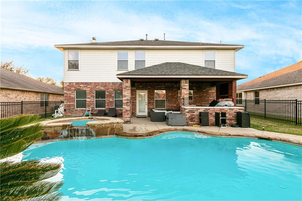 Closed   4009 Meadow Bluff Way Round Rock, TX 78665 35