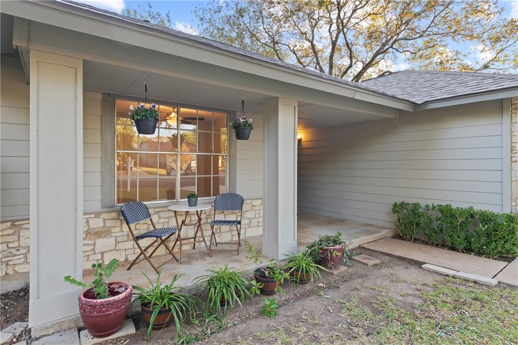Closed   2705 Crownspoint Drive Austin, TX 78748 3